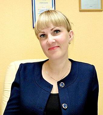 Алёна Веселова