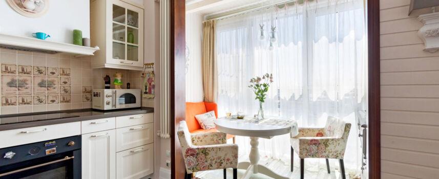 Фото объединения балкона и комнаты